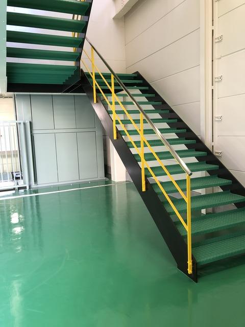 工場階段2