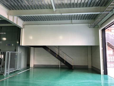 工場階段1