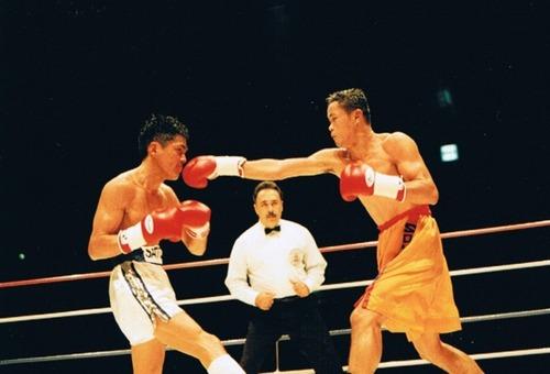 飯田覚士 ディフェンス ボクシング1
