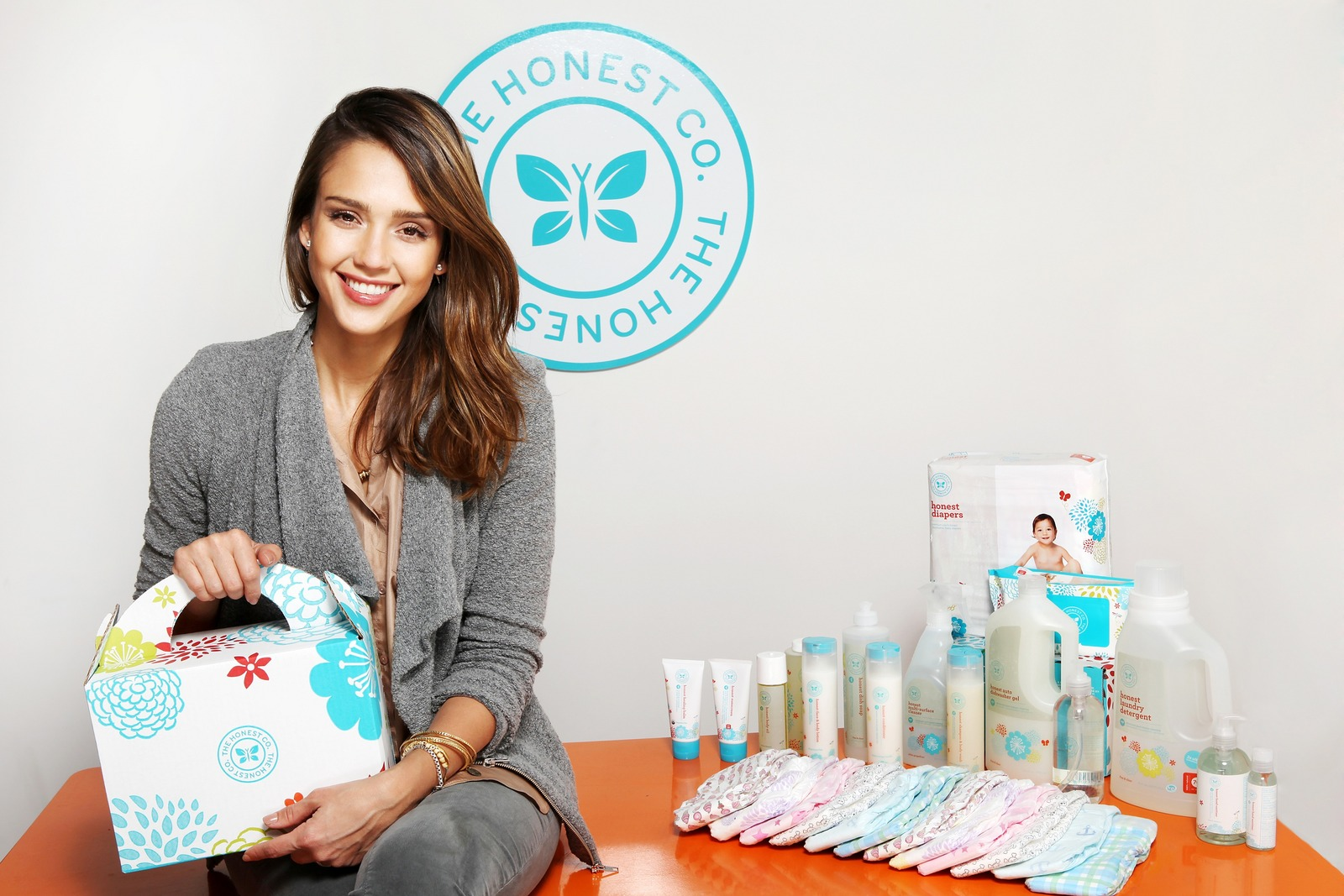 Jessica-Alba-The-Honest-Co