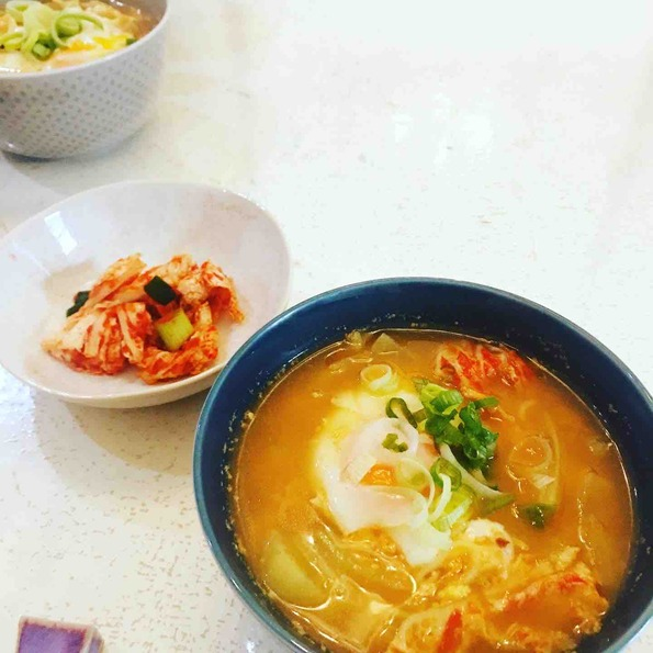 Kimchi-jjigae-with-vegetables-and-natto