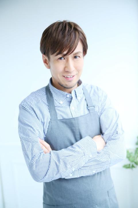 宣材写真青シャツ完成3