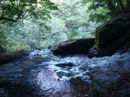 菅生の滝の上