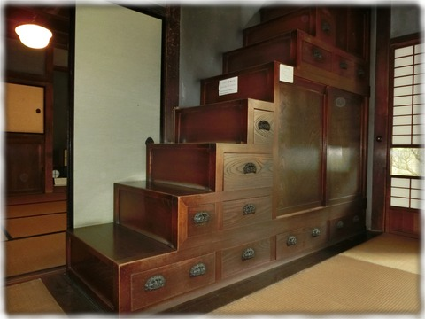 旧篠原家住宅_階段(1階側)