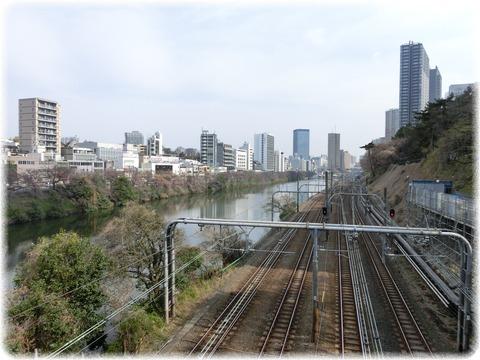 飯田橋方面