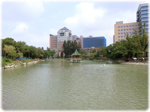國立臺灣大學醉月湖