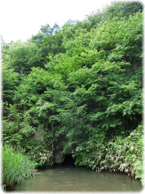 戸の口堰洞穴