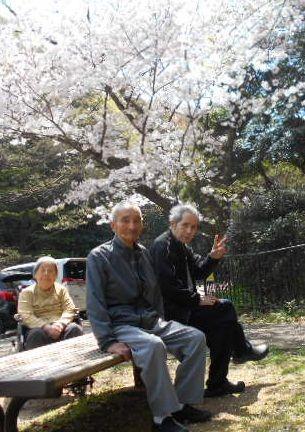 桜見物 102