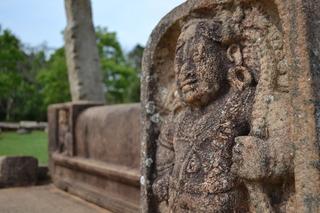 アヌラーダープラ 彫り物