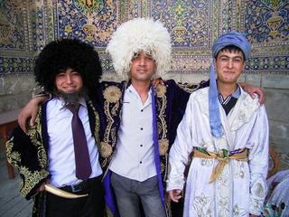 サマルカンド レギスタンの3人組