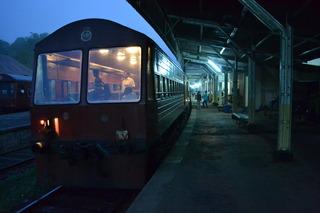 バドゥッラ 鉄道