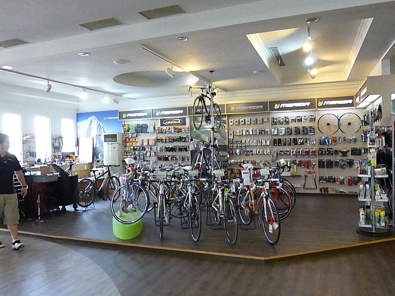 自転車の 自転車 藤沢 ショップ : そして目的のMERIDA本社工場視察