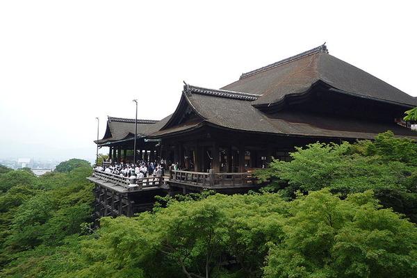 800px-Kiyomizu-dera_in_Kyoto