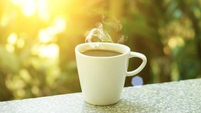 150530_drinking_coffee-w960