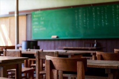 いじめられっこを地方の廃校に集めて、授業すればよくね?
