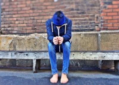 homeless-1213053_1920