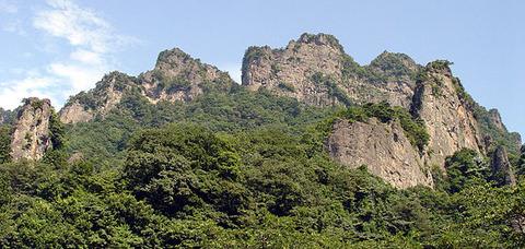 600px-Mt-myogi-in-summer