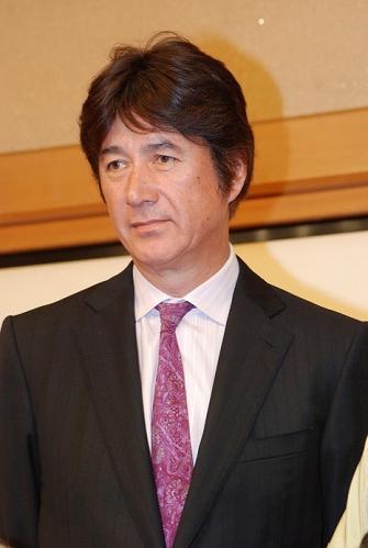 草刈正雄(64)ファースト写真集が大人気、乃木坂白石麻衣を抑えて1位にwwwwwwww