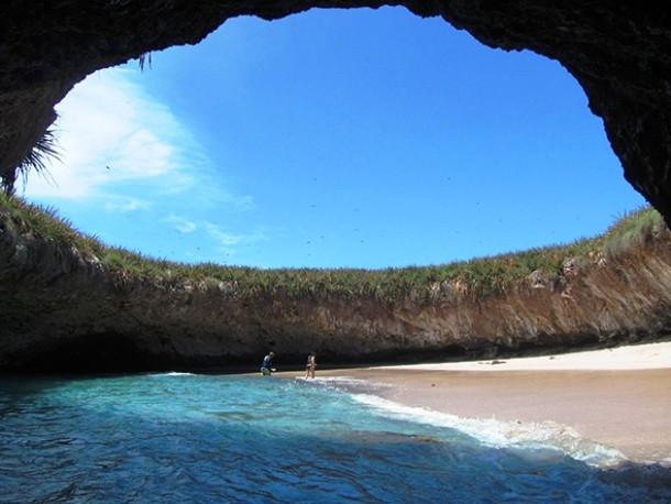 secret-beach-610x458