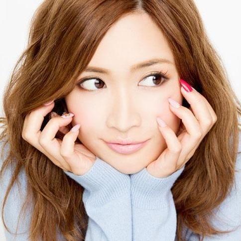 【悲報】紗栄子、億単位の年商でも「男の金」と批判されてしまう理由がヤバいwwwwww