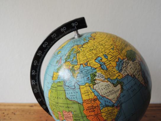 地球儀-2-544x408