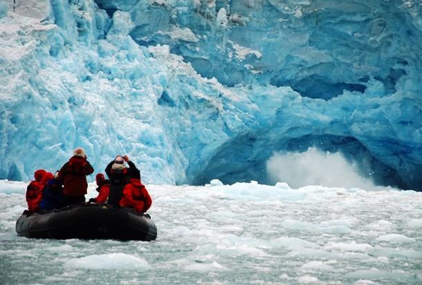 Ecotourism_Svalbard-610x413