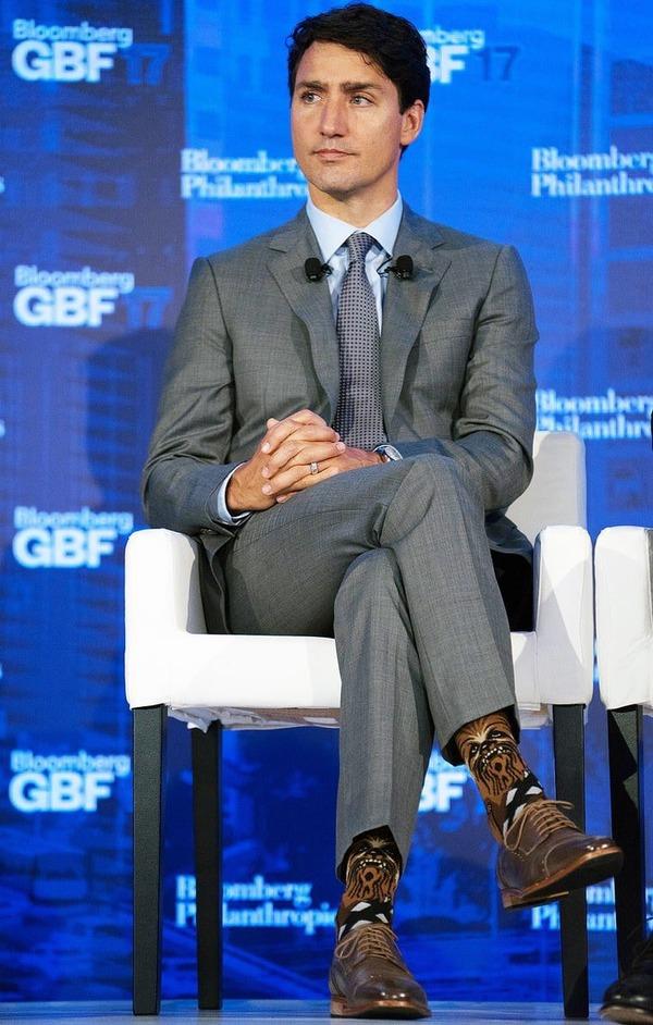 カナダの首相、靴下にチューバッカを仕込むとは相当な強者と見た