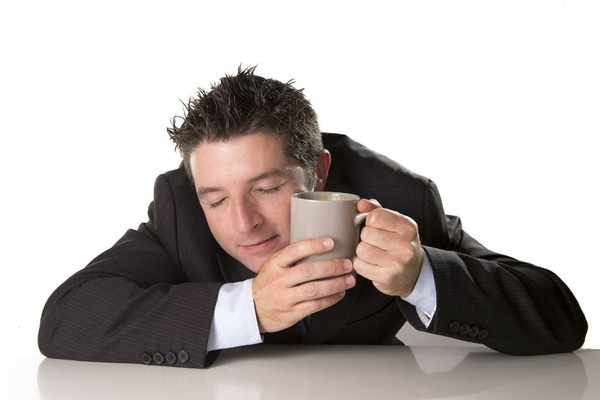 【悲報】コーヒー飲まないと必ず頭痛くなる奴wwwwwwwwwwwwwwwwww
