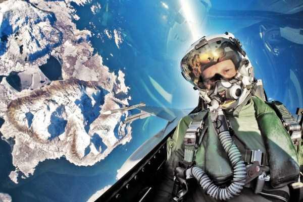 pilot-selfies-20