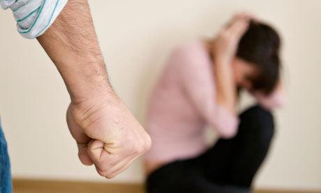 【大阪地裁】不倫した妻に20分にわたって暴行、死亡させた夫 猶予付き判決の理由は・・・・  無抵抗の体重33kgの妻を投げ倒す!