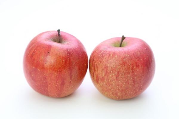 リンゴ2個