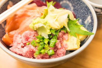 55321923_s 海鮮丼