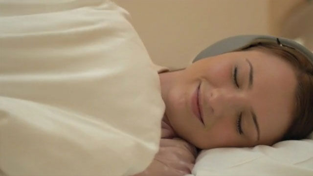 快眠したいあなたに。オンキョー音質で究極の睡眠用ヘッドホン「Kokoon」