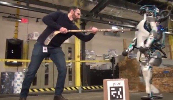 酷すぎる…。ロボットの実験に悲しい音楽と解説を付けると泣ける!!