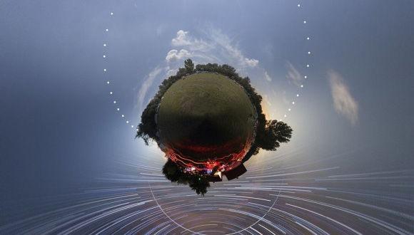 惑星は丸いわけだし。昼夜をひとつの球形に閉じ込めたリトル・プラネットの世界観がジオラマクール