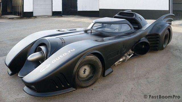 ティム・バートン監督版「バットマン」のバットモービル、ロシアで約1億円で売りに出される