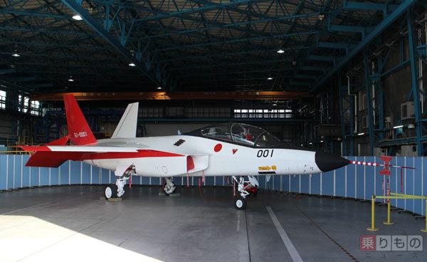国産ステルス実証機X-2 「心神」が半年間の沈黙を破りついに初の一般公開