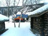 朝風呂に行く時に出会わせた雪上車