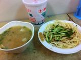 涼麺と味噌汁
