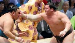 """小錦と武蔵川が考える外国人横綱の""""品格"""" 「白鵬はまるで『ビンタ』しているみたい。横綱相撲ではない」"""