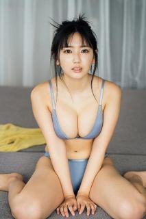 今年の夏も沢口愛華と過ごしたいーー「週マガ」グラビアの優しくて爽やかな笑顔に癒される