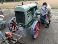 83歳トラクター修理の達人 約100年前のエンジン復活 燃料ポンプ自ら設計