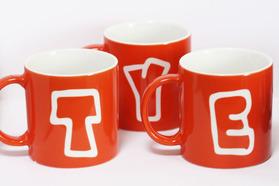イニシャルマグカップ オレンジ おそろいマグカップ