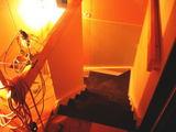 階段下り側から