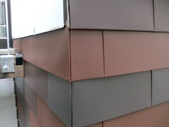 ガルバリウム外壁の横張り時の角の納まりと割付 過不足なく暮らす