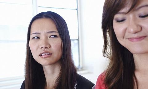 woman-jealousy-office (1)