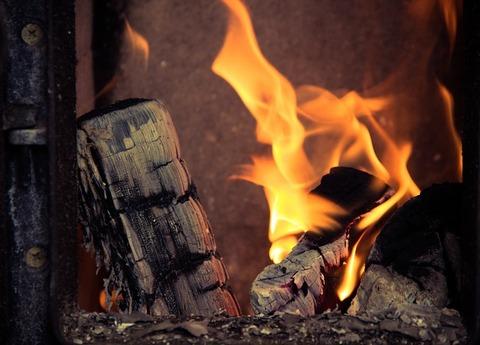 fireplace-933565_640