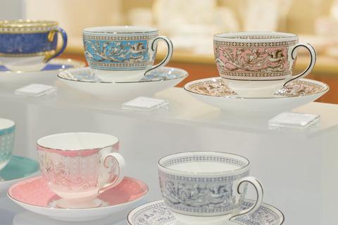 ヨーロッパ旅行の土産で親にリクエストされてたカップを探し回り、漸くウェッジウッドのマグカップを入手。これなら喜んで使ってもらえるだろうと思ってたら、両親は…