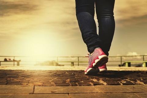 右足に後遺症のある俺に・・クソ教師『マラソン大会出てみないか?』俺「走るのは…」教師『そんな怪我どうってことない!』俺「わかりました」→なんとか完走したのだが・・・