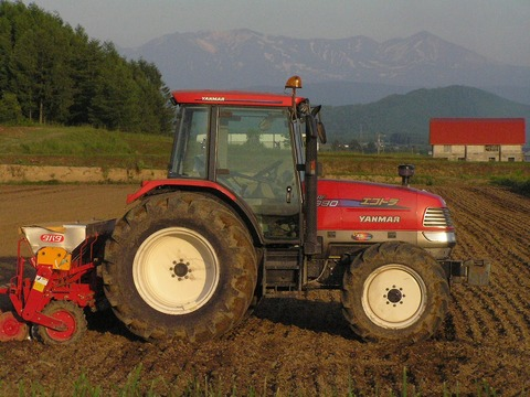 トラクター_北海道P6260710